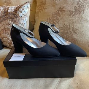 CHANEL MARY JANE PUMPS chunky heel Sz 40.5 US 10.5